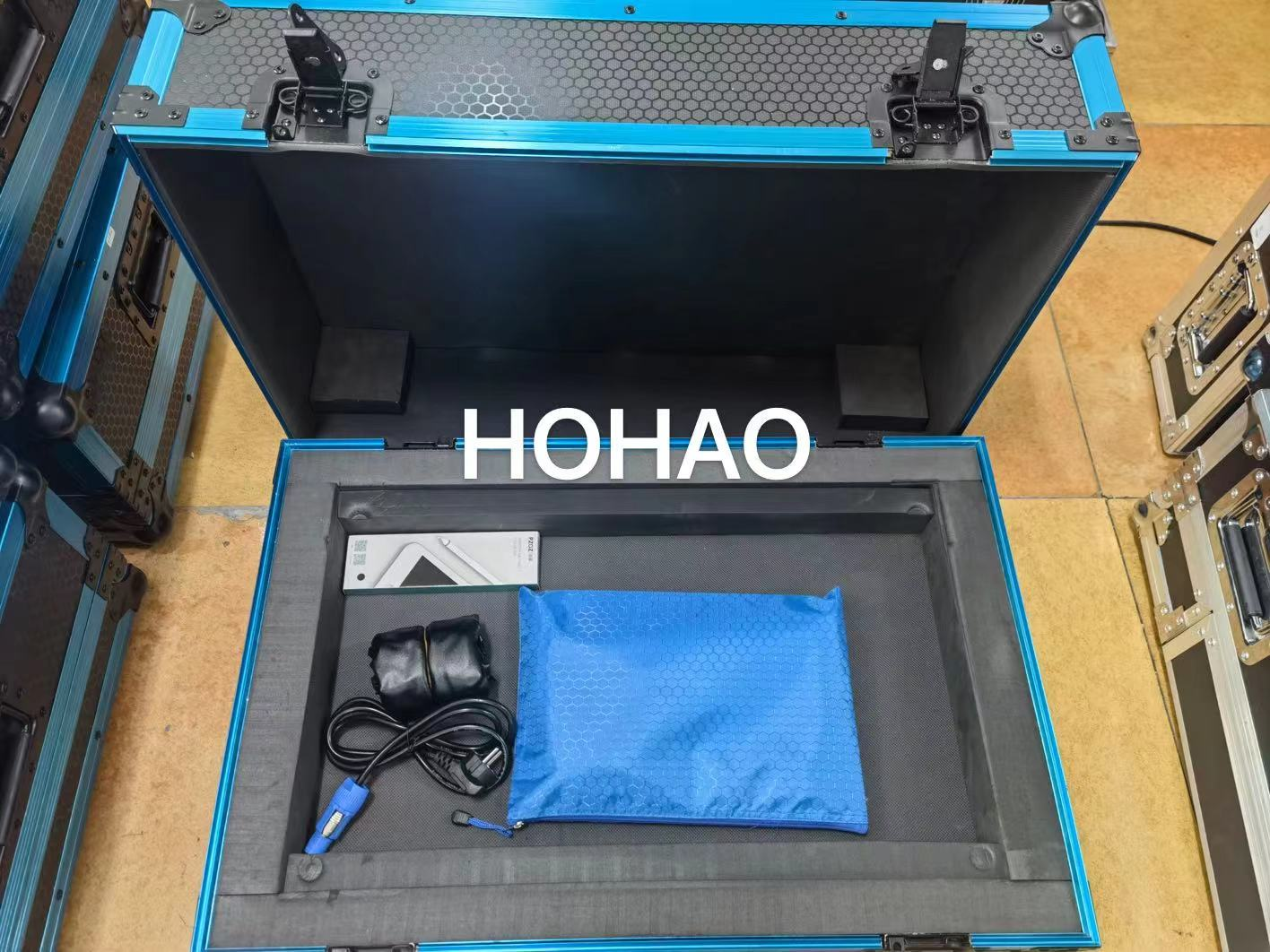 HOHAO Top Quality Stage Lamp Touch Tiger TT Generation Computer Light Console Moving Head Beam Board With Flightcase For Dj Culb
