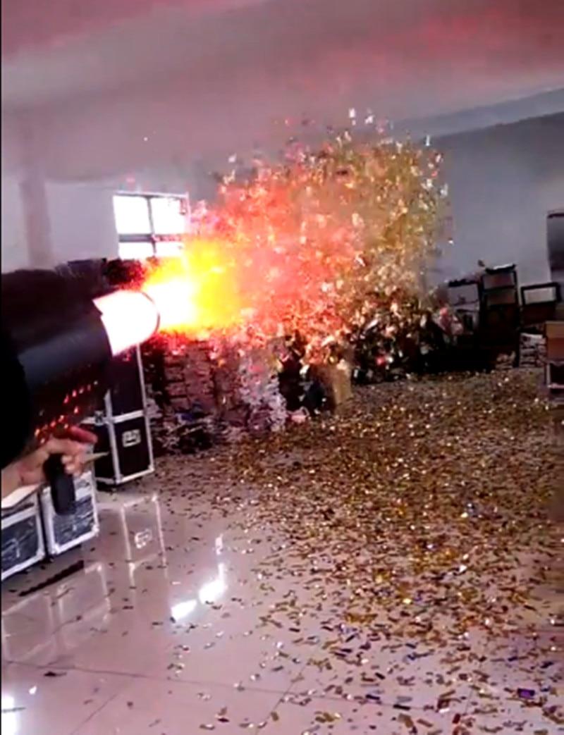 led confetti cannon machine fx stage co2 confetti effect co2 gun + confetti jet spray,with rechargeable battery power 3M hose